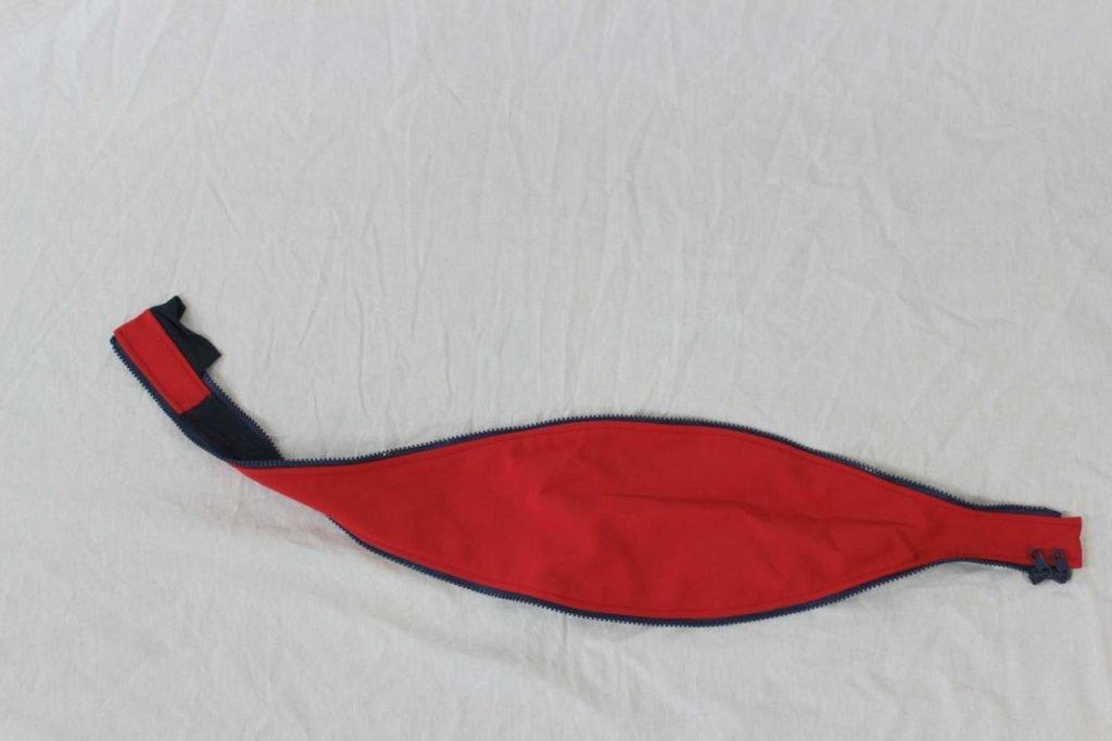 Schwangerschaftseinsatz für rote Tragejacke Pina von Vivalamama